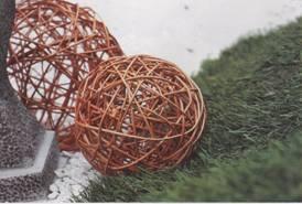 Как украсить шар из ниток своими руками