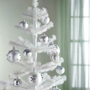 Белые елки своими руками фото