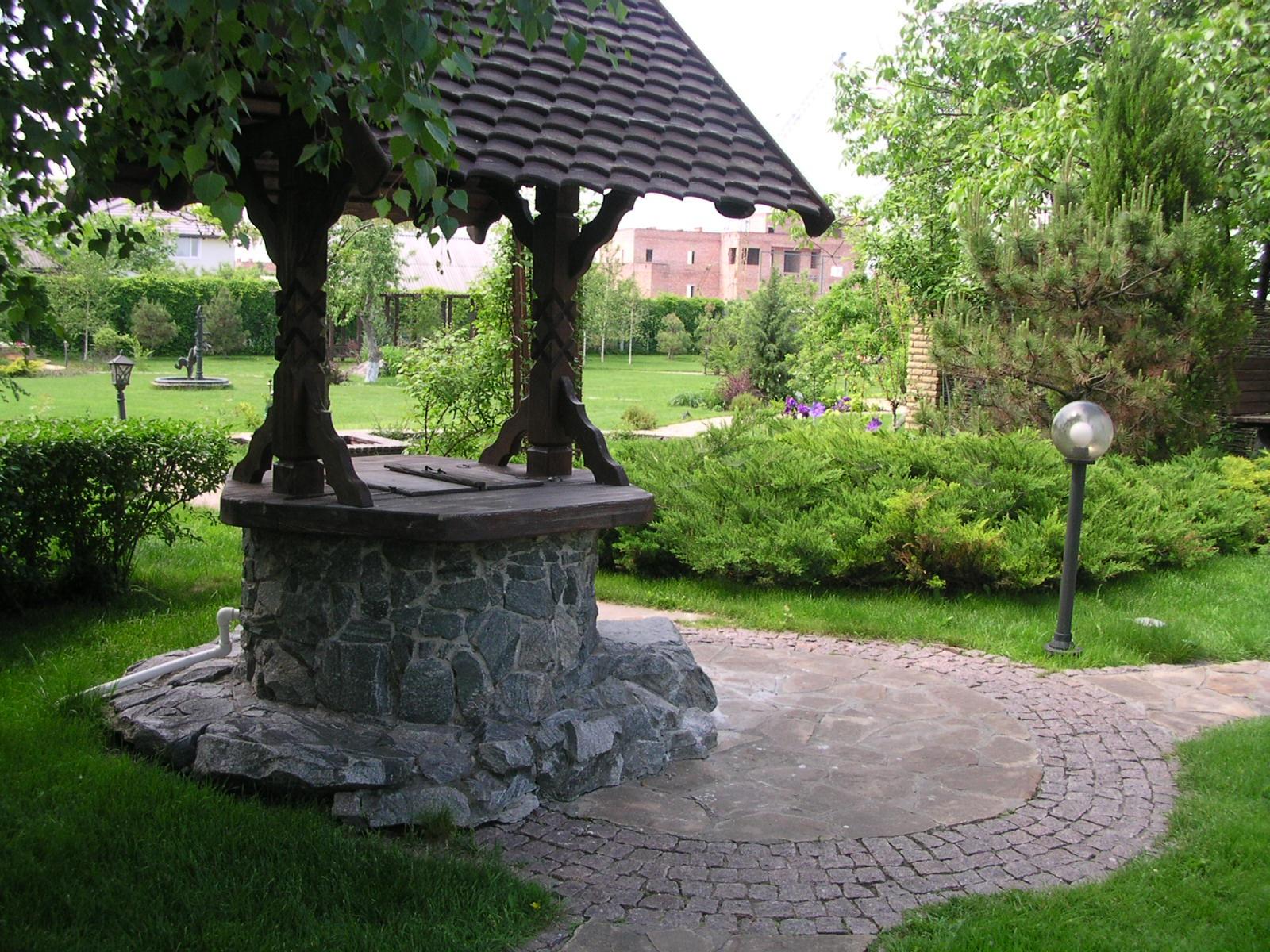 Декор колодца своими руками из камня