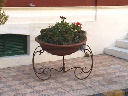 Подставки под цветы для улицы фото